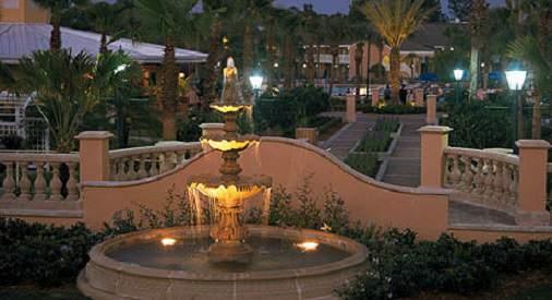 Bride And Groom Wedding Wyndham Orlando Resort In Florida